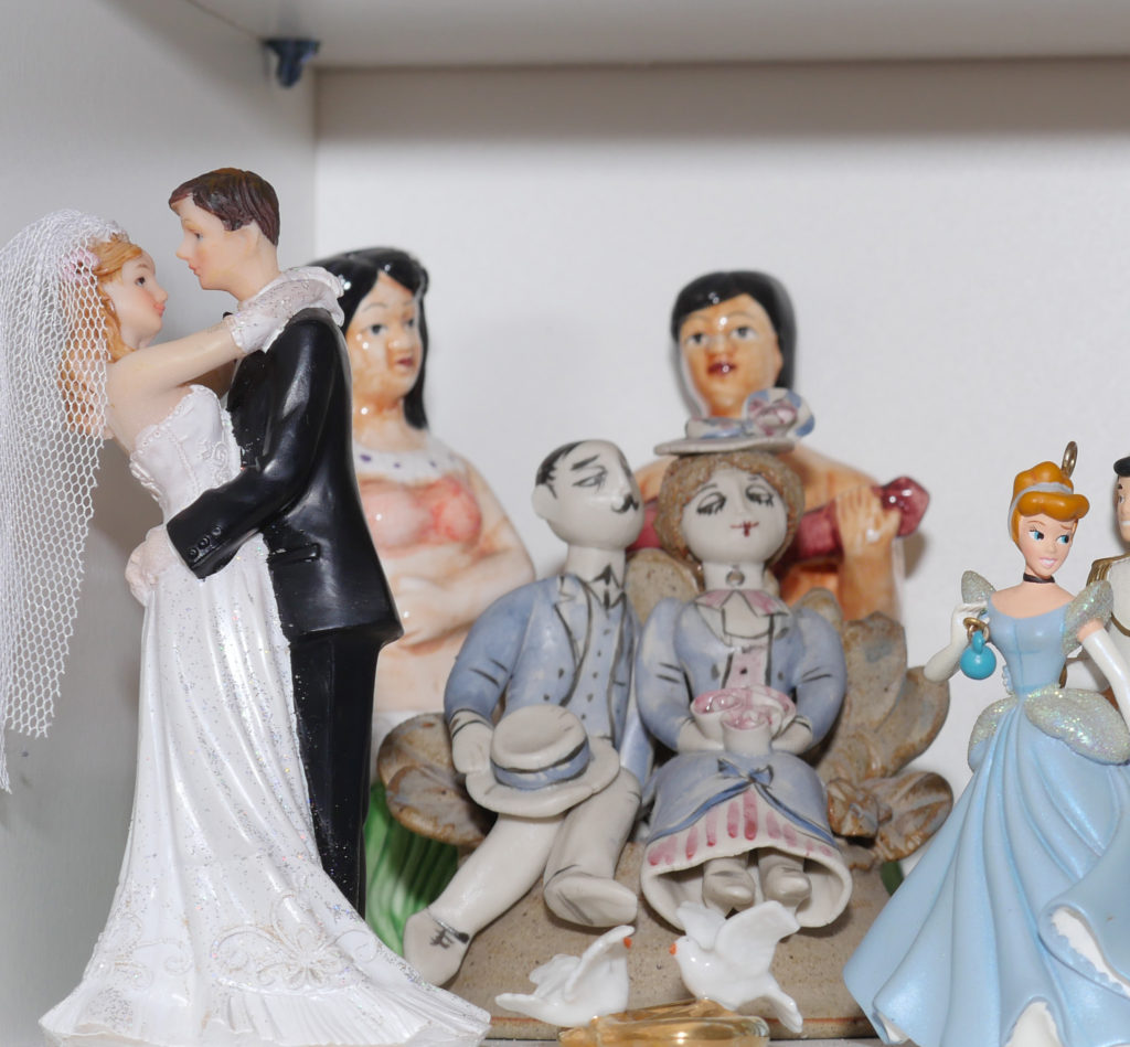 Marriage and couples symbols sandpaly sandtray